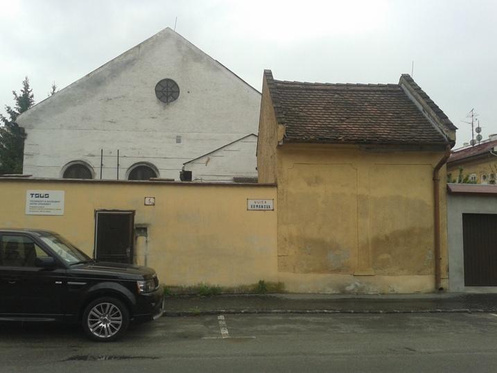 Az egykori haszid zsinagóga - ma laboratórium