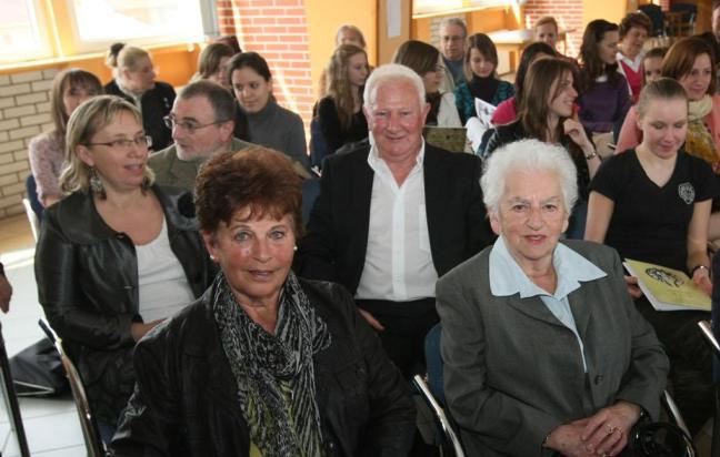 3 - 1 Holokauszt túlélők és fiatalok találkozója JOBB OLDAL VÁGVA