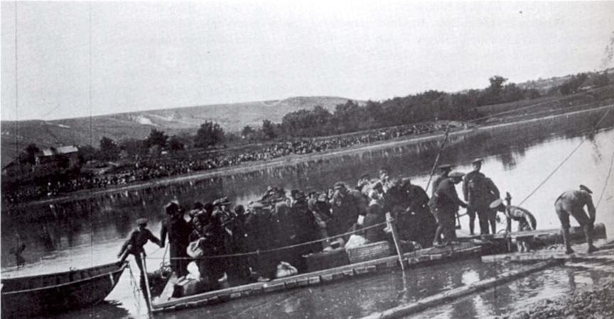 09_1941 A románok átszállítják a zsidókat a Dnyeszteren