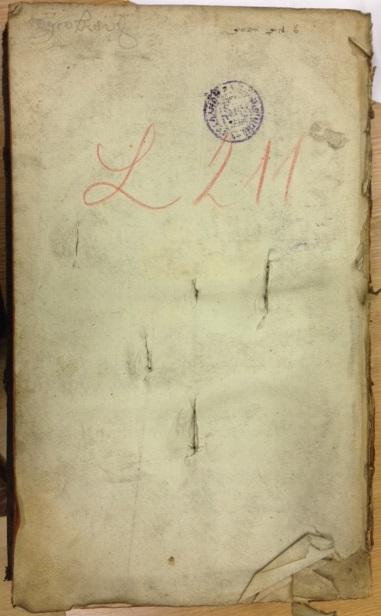 2 - szuronnyal átdöfött könyv