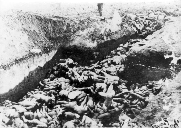 3 - Kamenyec Podolszk 1941, az út végállomása  forrás Yad Vashem Photo Archive