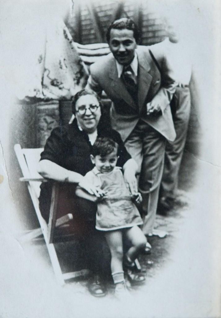 5 - Róth Mórné_zsibárus és unokája