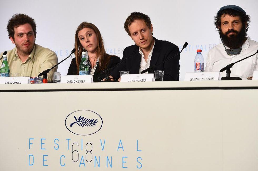 Matthieu Taponier vágó, Clara Royer társ-forgatókönyvíró, Nemes Jeles László rendező és Röhrig Géza, a főszereplő