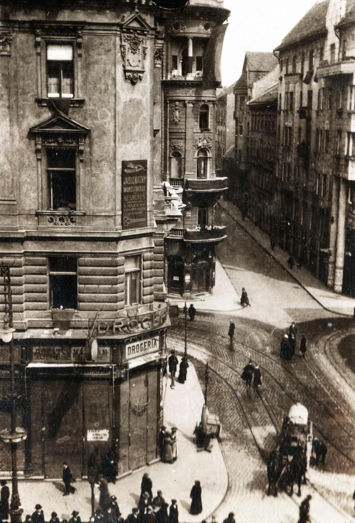 Síp utca - Dohány utca kereszteződés a Rákóczi út felől nézve 1919-ben forrás Fortepan 75878v