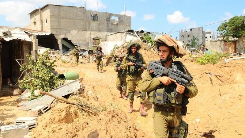 Izraeli katonák Gázában