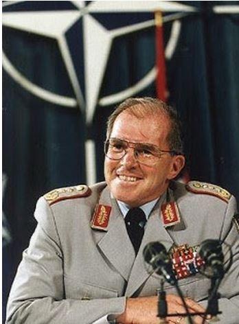 Klaus Naumann