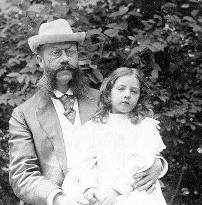 Mercedes édesapjaval
