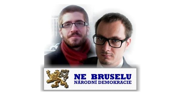 A két politikus egy Európa-ellenes plakáton