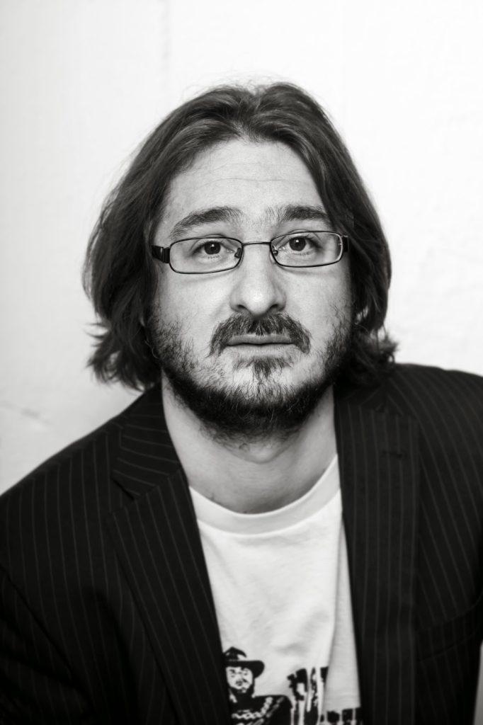 2 - Cserna Szabó András Fotó Valuska Gábor