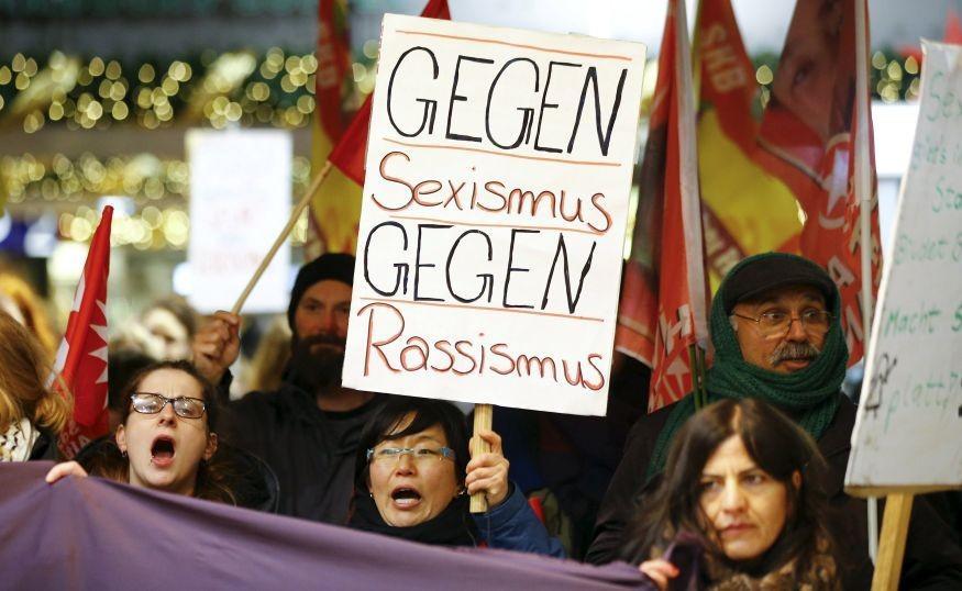 Köln baloldali tüntetés az újévi támadások után