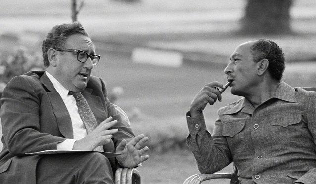 Kissinger-and-Sadat