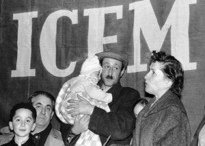Tiltakoztak, amikor látták, hogy a zsidók kóser ételt kapnak