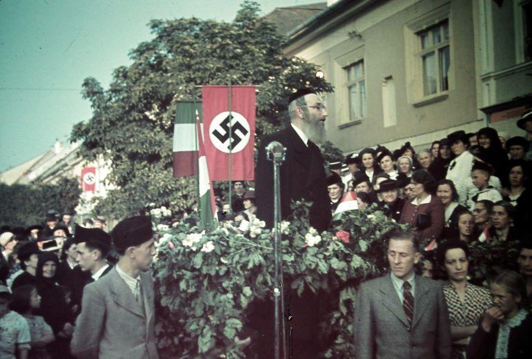 www.szombat.org/files/2017/01/Rabbi-horogkereszt-1.jpg