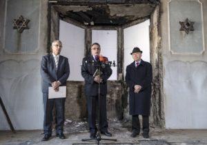 Száznegyvenkét millió forinttal támogatja a kormány a tavaly októberben leégett zuglói zsinagóga felújítását