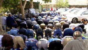 A palesztinok továbbra sem imádkoznak az al-Aksza mecsetnél