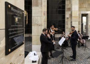 Emléktáblát avattak Wiesmeyer Emil embermentőnek
